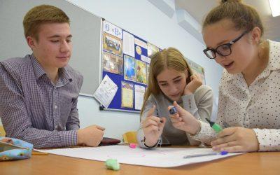 Ольга Водянова провела первое занятие по программе развития для школьников